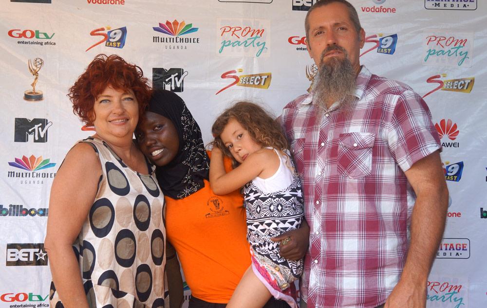 Christian, Rhonda and Raelee Welch
